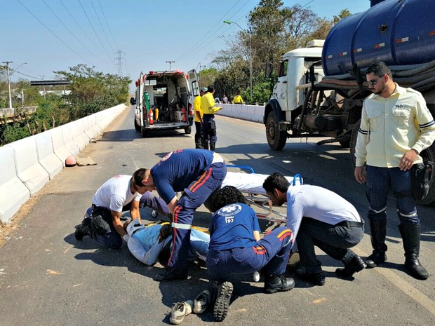 Vítimas foram socorridas e encaminhadas para o Pronto-Socorro da capital (Foto: Divulgação/Semob-Cuiabá)