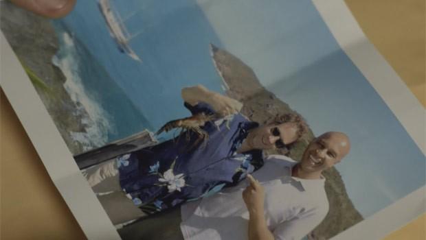 """No episódio """"Conexão Itália"""", André (Cauã Raymond) sai em busca de Maurizio (Mauro Zanatta) (Foto: Reprodução)"""