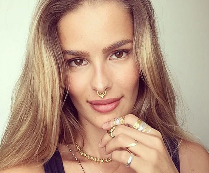 'Hoje em dia sei que sou mais do que minha aparência', diz Yasmin Brunet (Foto: Arquivo Pessoal)
