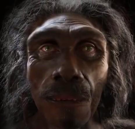 Cena de vídeo de um minuto que mostra a transformação na face dos homens (Foto: Reprodução / Facebook)