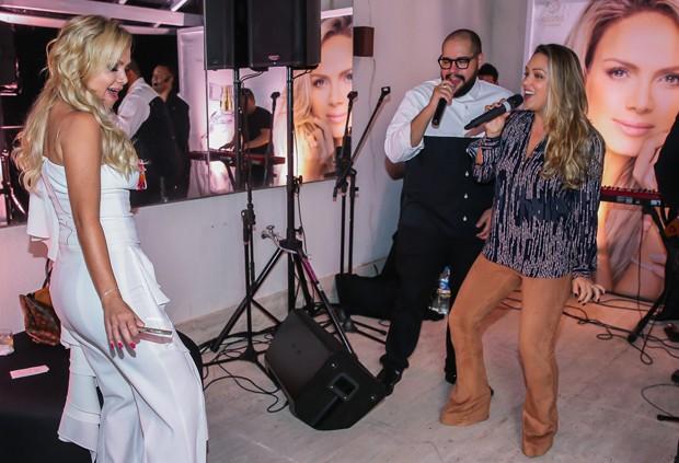 Eliana, Tânia Mara e Tiago Abravanel (Foto: Manuela Scarpa/Brazil News)