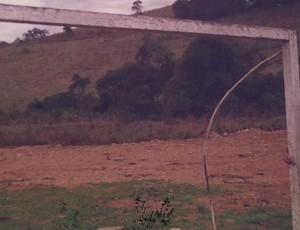 Trave da Copa de 50 em Muzambinho (Foto: Reprodução/ SporTV)