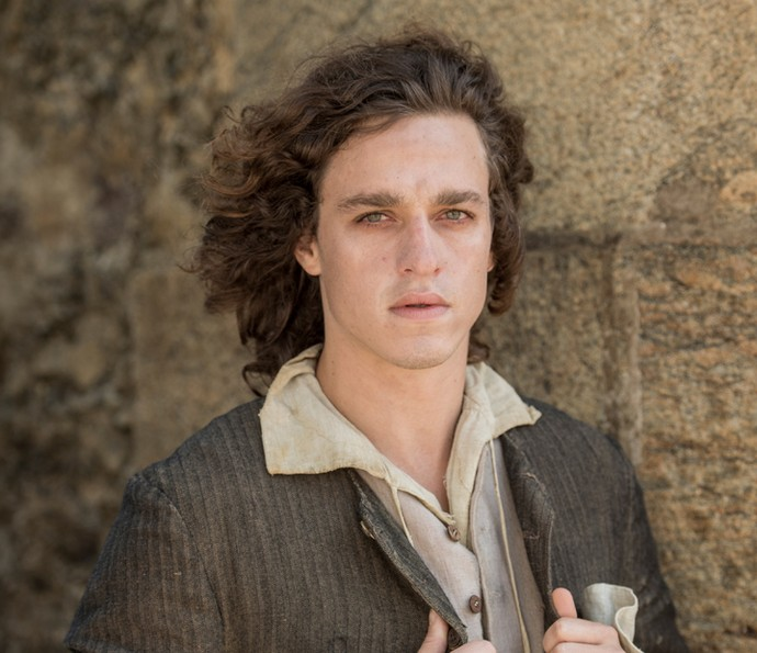 Gabriel Chadam interpreta Maia, que usava o pseudônimo Vendek para agir a favor da independência do Brasil (Foto: João Cotta / TV Globo)