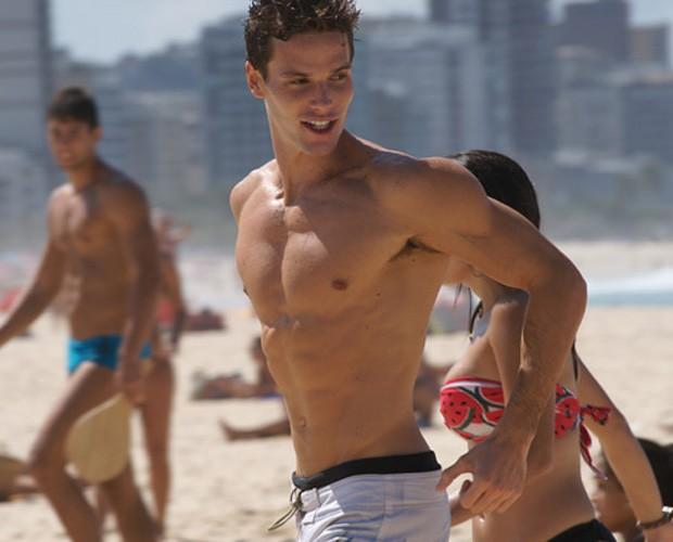 Jonatas conta a sua rotina de exercícios e alimentação  (Foto: Inácio Moraes/ Gshow)