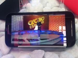 Modelo do Moto E com TV digital sai por R$ 600 (Foto: Gustavo Petró/G1)
