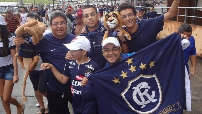 Torcida do Remo quer time ofensivo para reverter a vantagem do PFC (Foto: Gustavo Pêna / GLOBOESPORTE.COM)