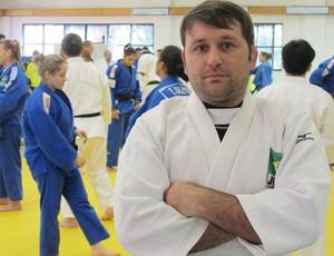 João Derly acompanhou o treino da seleção brasileira (Foto: Thierry Gozzer)