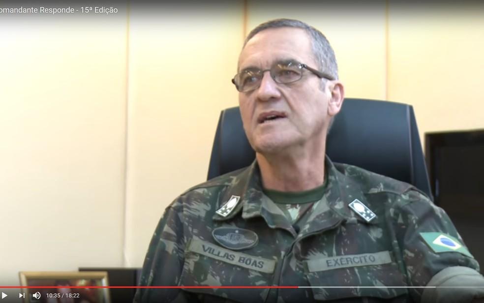 O comandante do Exército, general Eduardo Villas Bôas, ao dizer que tem doença degenerativa (Foto: Reprodução)