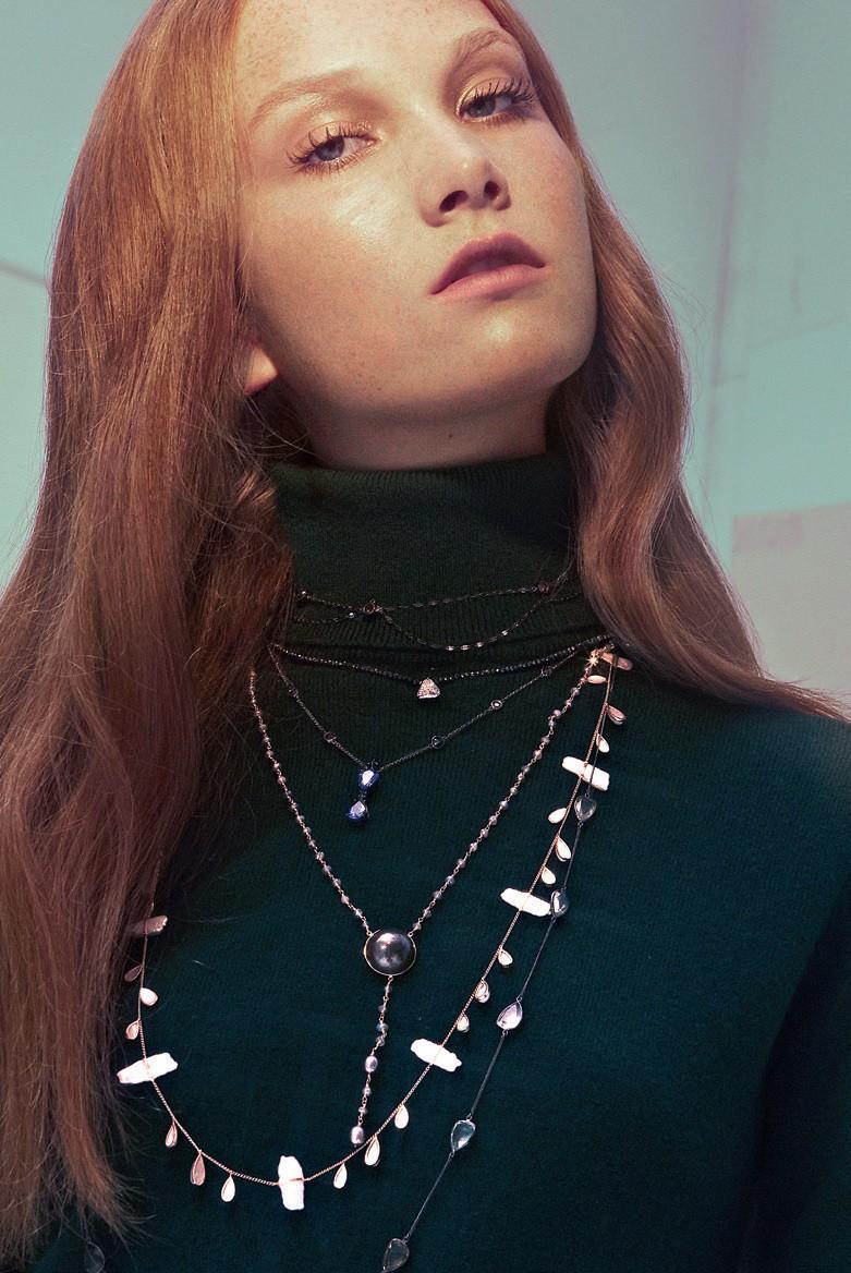 Emar Batalha lança coleção de colares mais acessíveis e casuais (Foto: Arquivo Vogue )