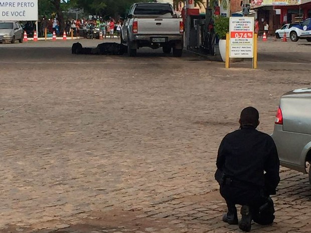 Bope desarma explosivo em carro na Bahia (Foto: SSP-BA / Divulgação)