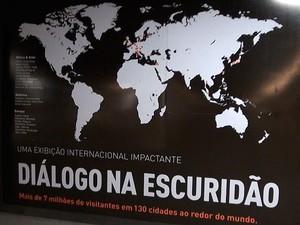 Exposição Diálogo na Escuridão (Foto: Lílian Marques/G1)