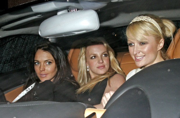 Lindsay Lohan, Britney Spears e Paris Hilton: o antigo trio perseguido pelos paparazzi (Foto: The Grosby Group )