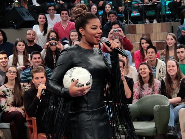 Ludmilla participa de gravação nos bastidores do Altas Horas (Foto: Marcos Mazini/Gshow)