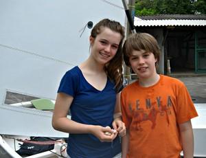 Crianças vela Robert Scheidt (Foto: João Gabriel Rodrigues / GLOBOESPORTE.COM)