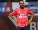 Jornalista: Robinho é grande jogador, mas problema para voltar é alto salário