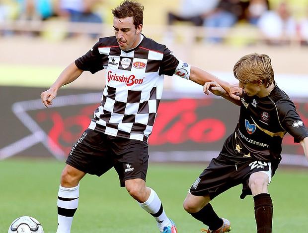 Fernando Alonso jogo de futebol caridade (Foto: EFE)