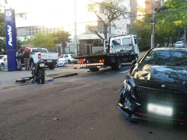 Assaltante ficou ferido e foi levado para hospital (Foto: Gildo Bueno de Melo/Divulgação)