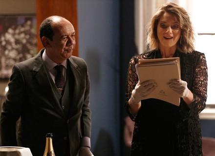Soraya vasculha casa e encontra provas contra Dom Peppino