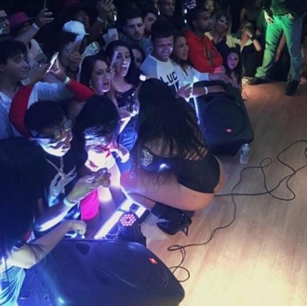 Mulher Melancia em show em Paris (Foto: Reprodução/Instagram)