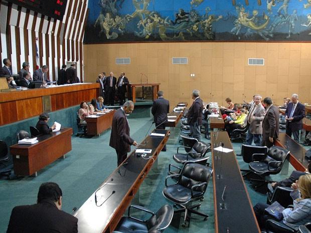 Votação ocorreu pós entendimentos entre as bancadas do governo e da oposição (Foto: Divulgação/ALBA)