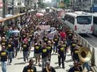 Policiais civis fazem passeata pelas ruas centrais do Recife