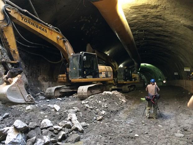 Cada túnel terá três faixas de rolamento (Foto: Janaína Carvalho / G1)