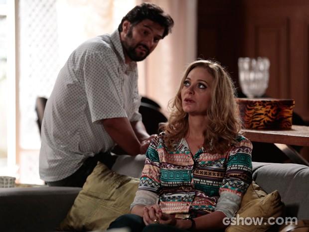Hernandez em conversa com Maura (Foto: Felipe Monteiro / TV Globo)