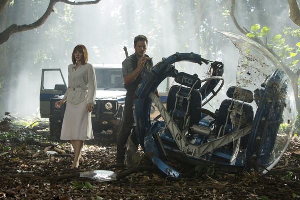 Bryce Dallas Howard e Chris Pratt em Jurassic World (Foto: Divulgação)