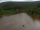 Com chuva, rio sobe e famílias ficam isoladas em Aldeia Velha, Silva Jardim