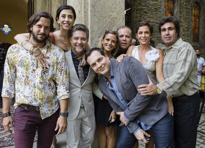 Elenco reunido durante gravações  (Foto: Tata Barreto /TV Globo)