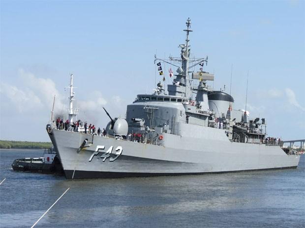 Fragata Liberal, da Marinha do Brasil, atraca em Natal nesta sexta (10) (Foto: Marinha do Brasil/Divulgação)