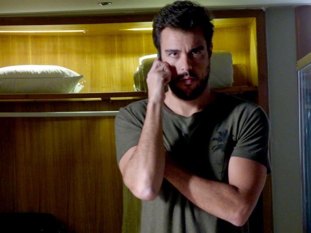 Enrico fala com Felipe para saber sobre o plano contra restaurante (Foto: Gshow)