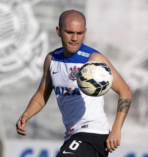 Fabio Santos treino corinthians (Foto: Daniel Augusto Jr / Agência Corinthians)