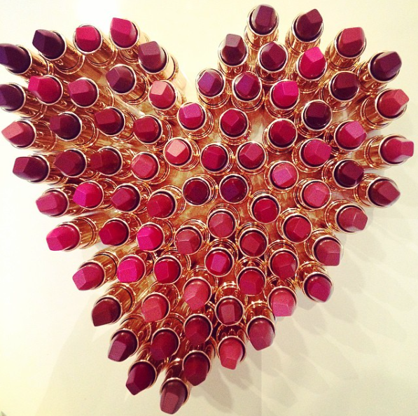 Charlotte Tilbury participa da campanha #heartforaheart (Foto: @ctilburymakeup)