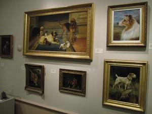 Pinturas e esculturas têm cachorros como tema (Foto: American Kennel Club Museum of the Dog, Diane Saltzman/AP)