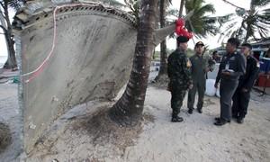 Malásia diz que peça encontrada na costa da Tailândia não é do MH370