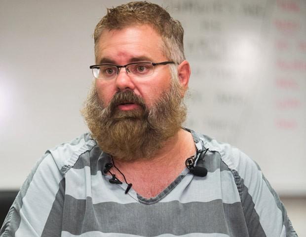 Brent Farley, caçador de recompensas, foi preso depois que invadiu por engano a casa do chefe de polícia de Phoenix (Foto: (Isaac Hale/The Arizona Republic/AP)