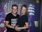 Grávida, Thaís Pacholek vai a show do marido, Belutti, em São Paulo