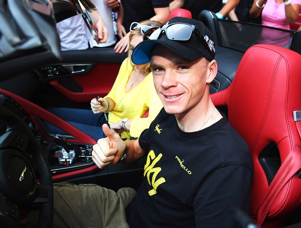 Chris Froome ganha carro de presente (Foto: Getty Images)
