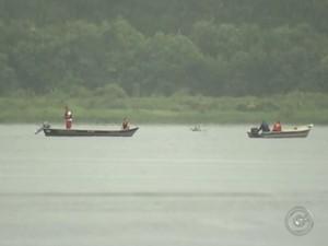 Pai e filho se afogaram no Rio Tietê  (Foto: Reprodução / TV TEM)