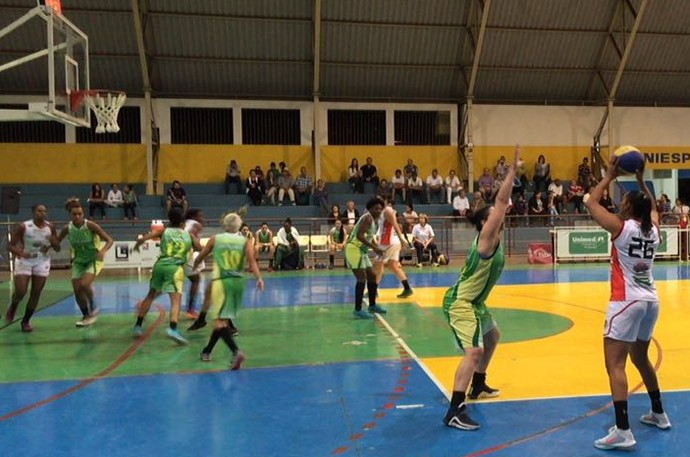 Presidente Venceslau x Santo André, Campeonato Paulista de Basquete Feminino (Foto: Mateus Tarifa / TV Fronteira)