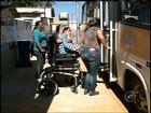 Ônibus adaptado dado à associação está parado há um ano em garagem