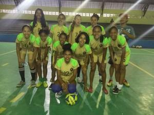 Time de futsal das meninas do projeto Futebol Não Tem Gênero, Tem Craques (Foto: Valdirene de Jesus/Arquivo Pessoal)