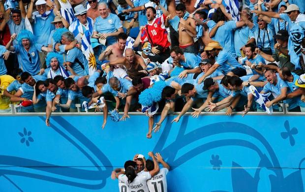 Godin italia x uruguai (Foto: Reuters)