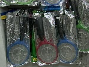 Raquete elétrica é um dos produtos mais procurados  (Foto: Reprodução/TV Integração)