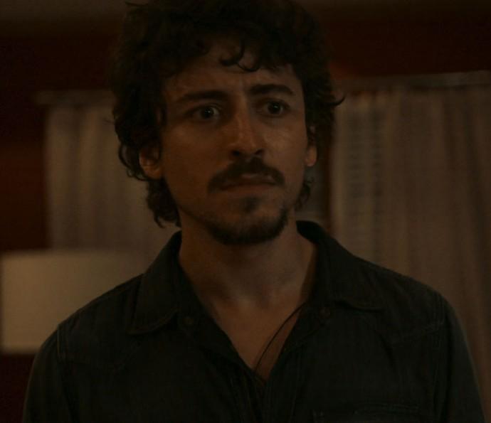 Vicente aparece na casa de Elisa  (Foto: TV Globo)