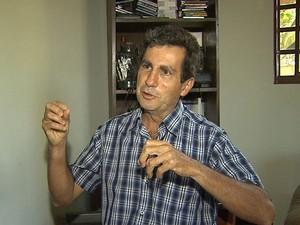 Professor de política educacional da Universidade de São Paulo (USP), José Marcelino Rezende Pinto, diz obrigatoriedade é proibida por lei (Foto: Valdinei Malaguti/EPTV)