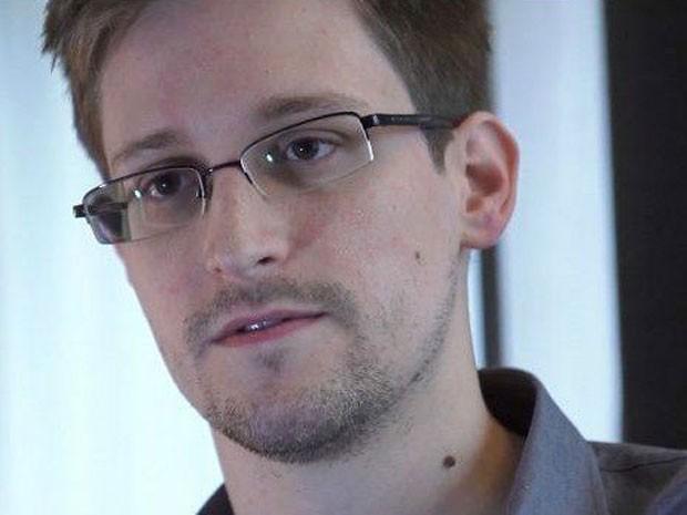 Muitos alemães veem o ex-agente de inteligência americano Edward Snowden como um herói nacional