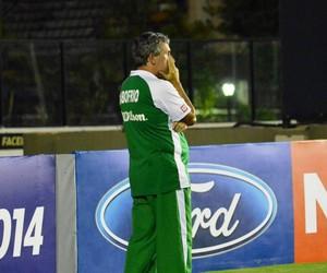 Alexandre Barroso, técnico da cabofriense (Foto: Andreia Maciel)