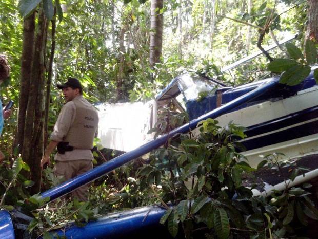 Piloto teve que fazer pouso forçado após pane no avião (Foto: Divulgação/2ºBPM-TO)
